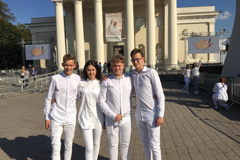 2018-ųjų rugsėjo 22 dieną Gancevskių kvartetas pasirodė ir Katedros aikštėje Vilniuje, kur apaštalinio vizito metu popiežius Pranciškus susitiko su jaunimu.<br>Organizatorių archyvo nuotr.