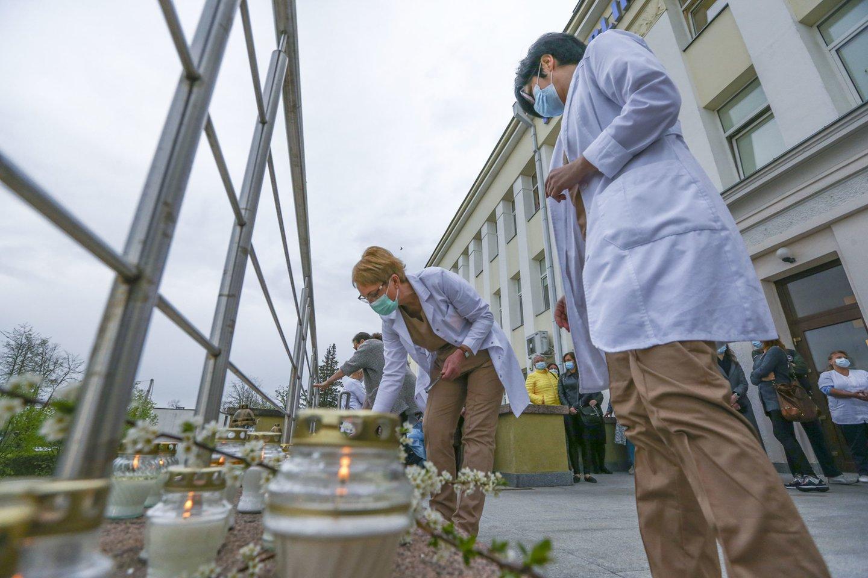 Gydytojos tragedija sukrėtė ne tik Šiaulių ligoninės darbuotojus.<br>G.Šiupario nuotr.