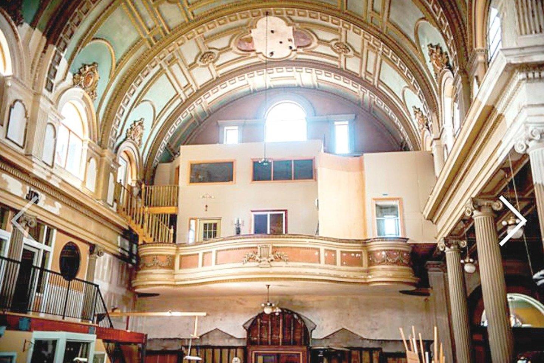 Pensilvanijos lietuviai šią raudonų plytų neobaroko stiliaus bažnyčią atidarė 1902 metais. Tačiau 1992-aisiais sujungus kelias katalikiškas parapijas didžiausia lietuvių šventovė Pitsberge visiems laikams užvėrė duris tikintiesiems.