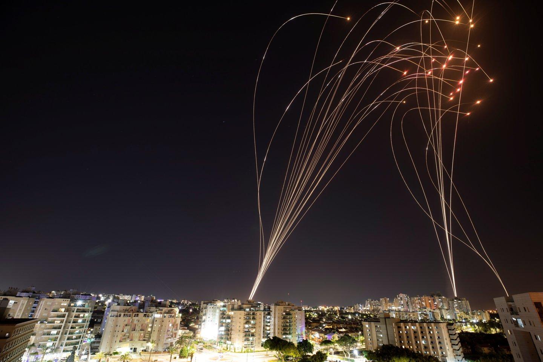 """Gazos Ruožą kontroliuojantis islamistų judėjimas """"Hamas"""" penktadienį pareiškė, kad Izraelio okupuotame Vakarų Krante įsiplieskę palestiniečių neramumai yra """"revoliucija"""".<br>Reuters/Scanpix nuotr."""