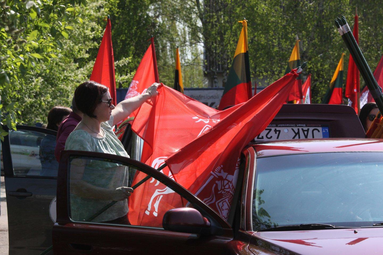 Šeimos gynimo maršo dalyviai Marijampolėje aptarė planus ir patraukė Vilniaus link.<br>R.Brazytės nuotr.