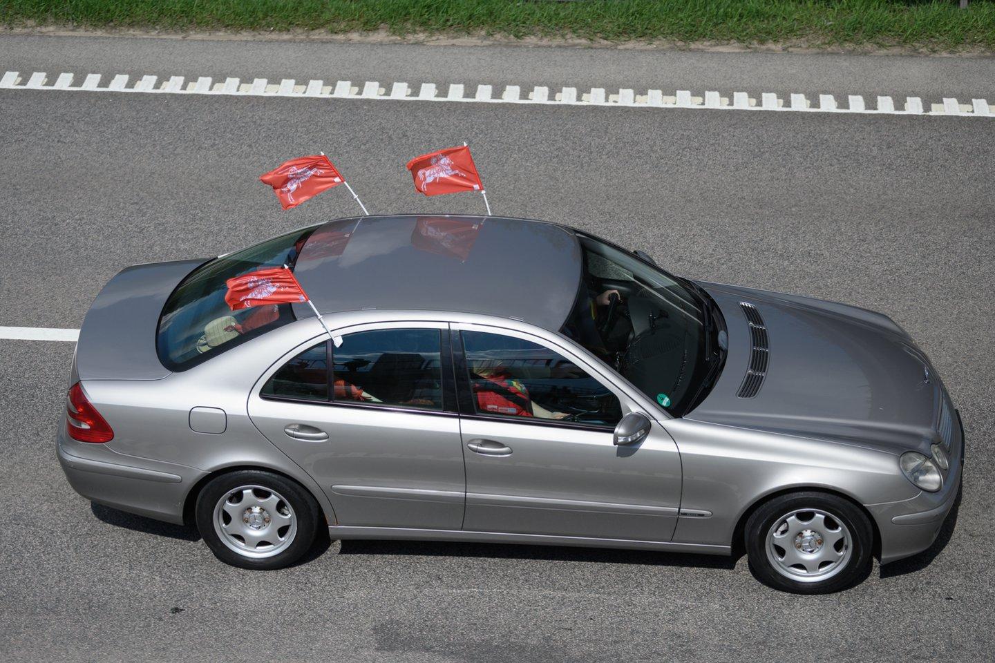 Automobilių kolona pasiekė Vilnių.<br>V.Skaraičio nuotr.