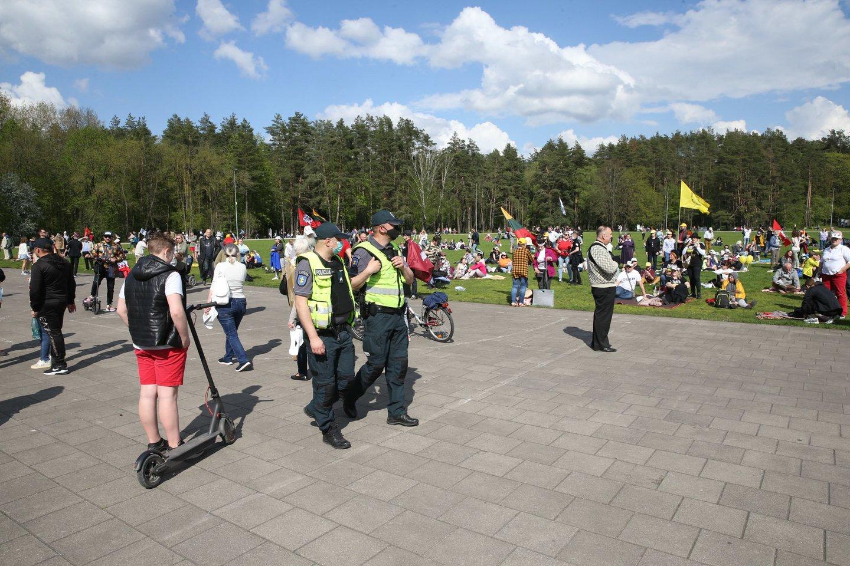 Vingio parke renkasi maršo dalyviai.<br>R.Danisevičiaus nuotr.