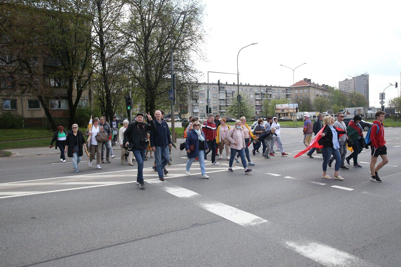 """""""Didžiajame šeimos gynimo marše"""" nelegaliai skamba autorių dainos: LATGA perspėja organizatorius.<br>R.Danisevičiaus nuotr."""