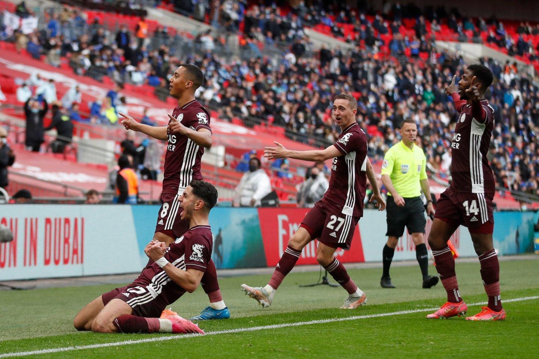 """Pirmą kartą istorijoje FA taurę iškovojo """"Leicester City""""<br>AFP/Scanpix nuotr."""