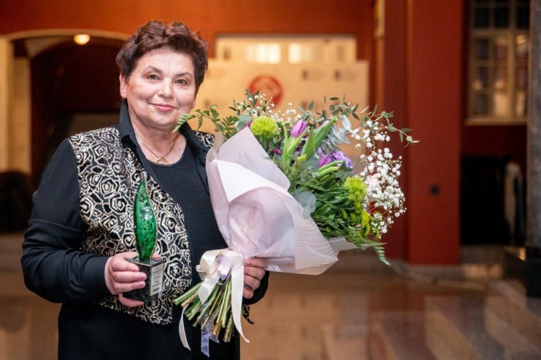 """""""Metų kaunietės 2020"""" titulą pelnė medikė, kūrėja ir visuomenininkė J. Jankauskienė.<br>Pr. siuntėjų nuotr."""
