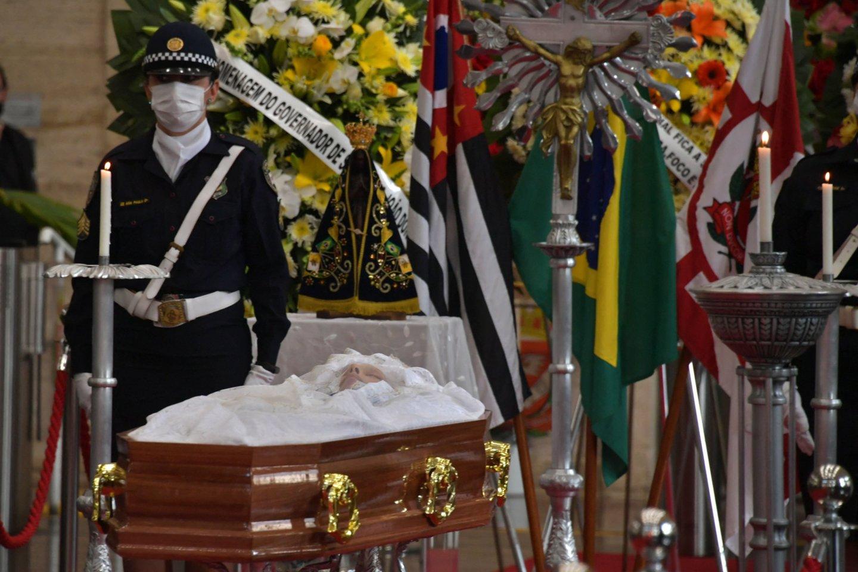 Meras Bruno Covasas gegužės 2 dieną buvo paguldytas į ligoninę, kadangi vėžys, pirmą kartą diagnozuotas 2019 metais, išplito organizme.<br>AFP/Scanpix nuotr.