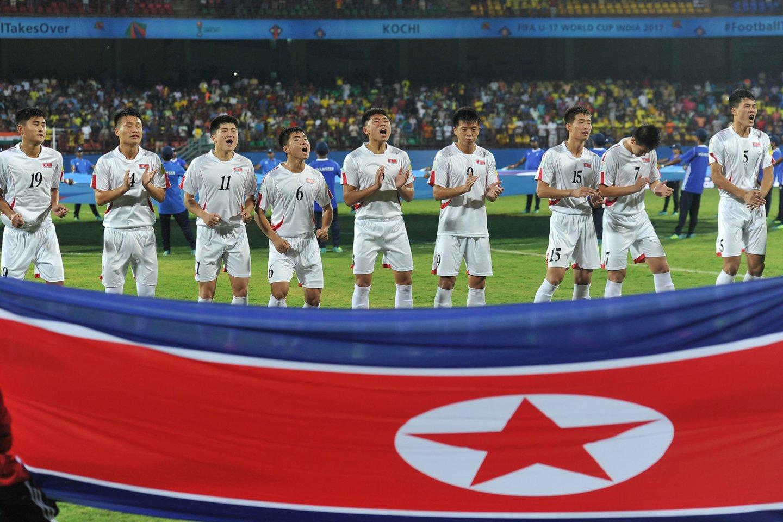 Šiaurės Korėjos futbolo rinktinė pasitraukė iš atrankos į planetos pirmenybes.<br>Reuters/Scanpix.com nuotr.