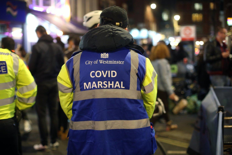 Jungtinėje Karalystėje švelninami COVID-19 apribojimai.<br>ZUMA Press/Scanpix nuotr.