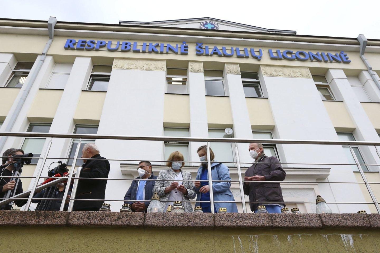 Prašoma dėl besitęsiančio medikų psichologinio nesaugumo nušalinti Respublikinės Šiaulių ligoninės (RŠL) vadovus.<br>G.Šiupario nuotr.