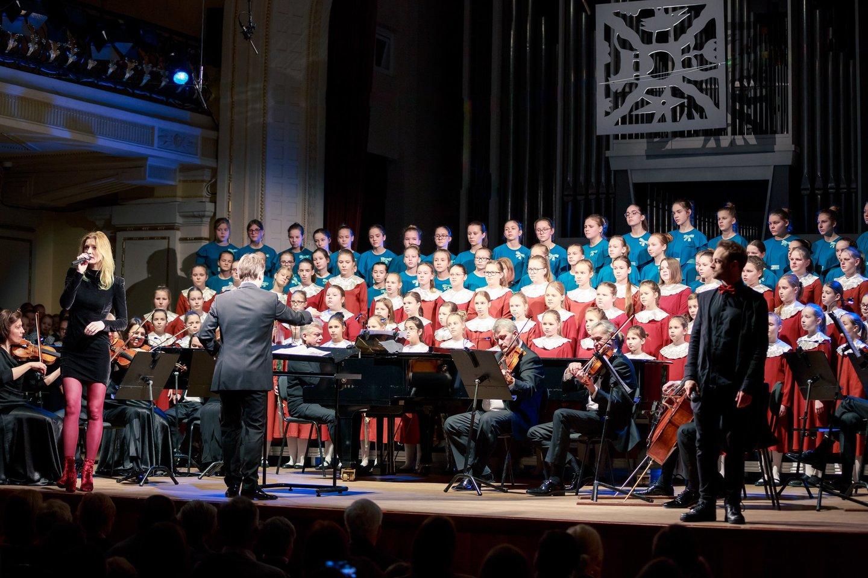 """""""Muzikiniame blyksnyje"""" skamba ne tik vaikams, bet ir suaugusiems žinomos dainos.<br>Organizatorių nuotr."""