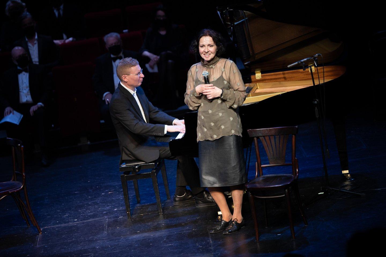Kompozitorius G.Puskunigis ir aktorė E.Gabrėnaitė.<br>E.Kniežausko nuotr.