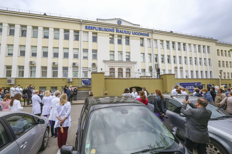 Gydytojos mirtis sukrėtė Respublikinės Šiaulių ligoninės medikus.<br>G.Šiupario nuotr.