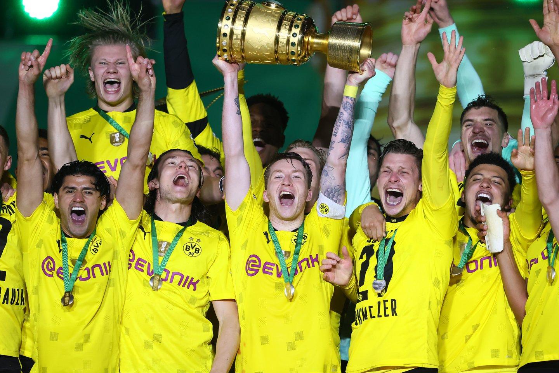 """""""Borussia"""" iškovojo taurę.<br>AFP/Scanpix.com nuotr."""