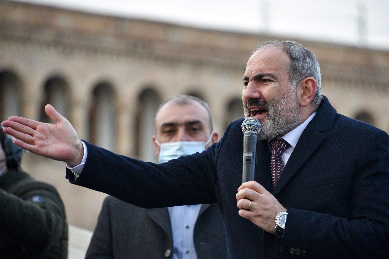 Jerevano ir Baku derybos, surengtos po pranešimų, kad į Armėnijos teritoriją buvo įvesta Azerbaidžano karių<br>AFP/Scanpix nuotr.