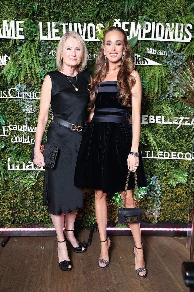 Viktorija Siegel su mama Valentina.<br>R.Danisevičiaus nuotr.