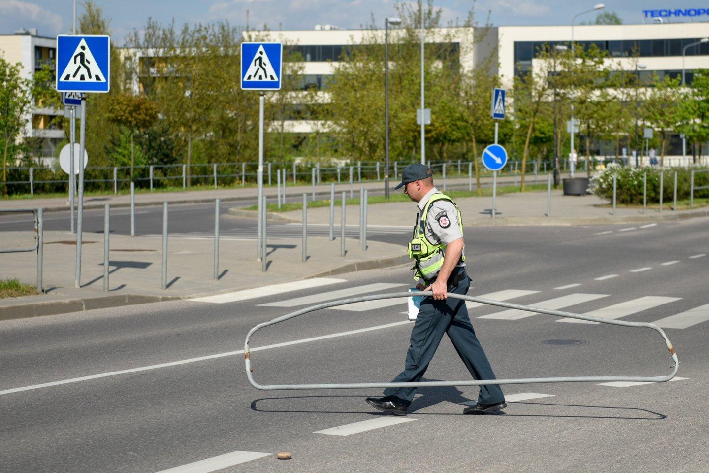 Dėl pokyčių finansuojant želdinių naudojimą eismo saugumui užtikrinti į ministeriją kreipėsi savivaldybės.<br>D.Umbraso nuotr.