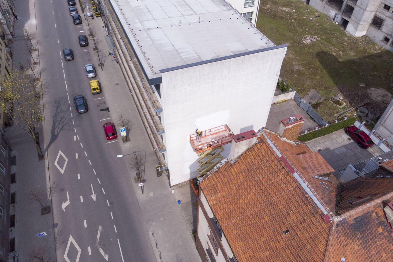 Pirmieji trys piešiniai – tai ant pastatų sienų nugulę trys Kauno kultūros simboliai, ilgus metus dovanojantys kultūrines patirtis kauniečiams ir miesto svečiams.<br>P.Joniko nuotr.