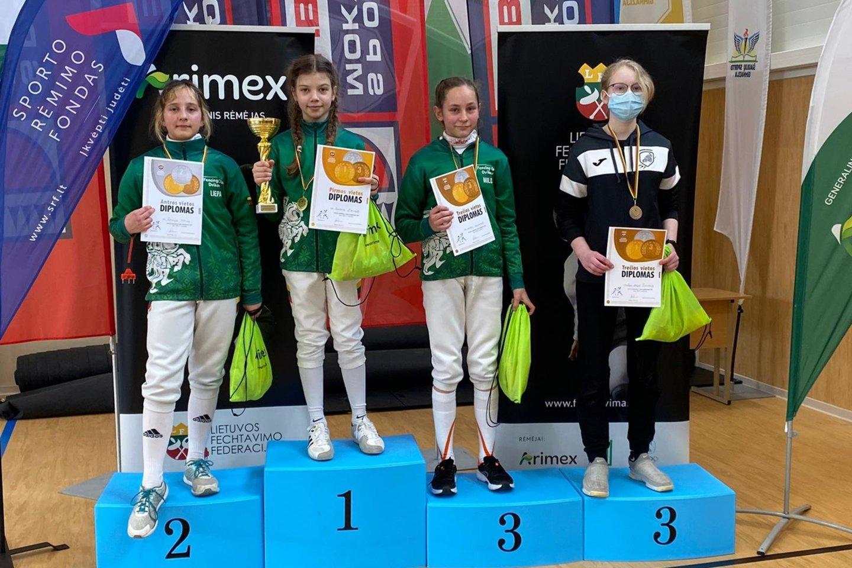 Šiauliuose paaiškėjo geriausi Lietuvos jaunieji fechtuotojai.<br>Organizatorių nuotr.