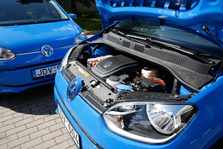 Siūloma leisti įmonėms, perkant elektromobilius, įtraukti pirkimo išlaidas į įmonės PVM apskaitą.<br>T.Bauro nuotr.