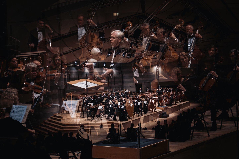 """Gegužės 21 d. maestro G. Rinkevičius ir LVSO pratęs didingąjį ciklą """"Visos A. Brucknerio ir D. Šostakovičiaus simfonijos"""".<br>G.Jauniškio nuotr."""