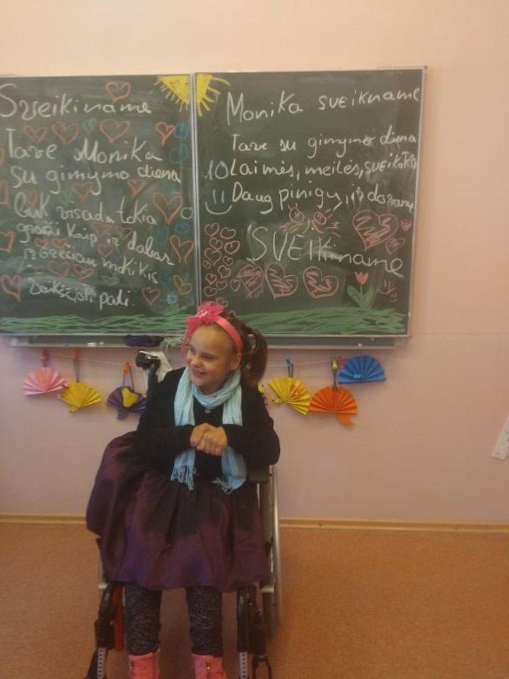 Mokykloje Monikai patinka, tik norėtųsi turėti daugiau draugų.<br>Asmeninio archyvo nuotr.