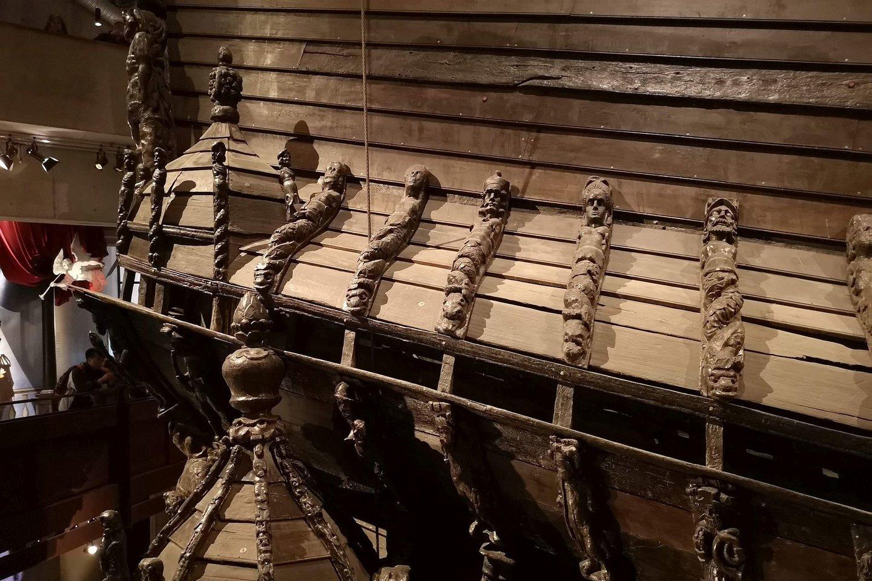 Gražūs papuošimai prisidėjo prie didesnio laivo svorio ir nestabilumo.<br>A. Rutkausko nuotr.