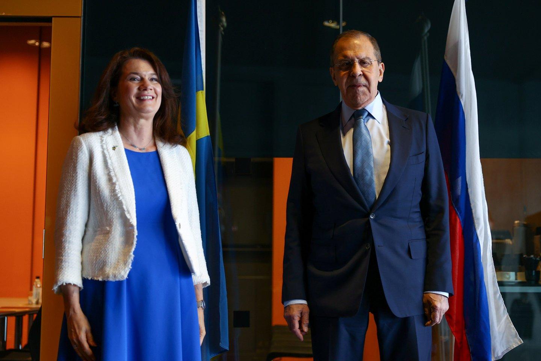 Kanada, Danija, kuri Arkties Tarybai priklauso dėl autonominės Grenlandijos teritorijos, Suomija, Islandija, Norvegija, Rusija, Švedija ir JAV šios Tarybos susitikimus rengia kas dveji metai.<br>Reuters/Scanpix nuotr.