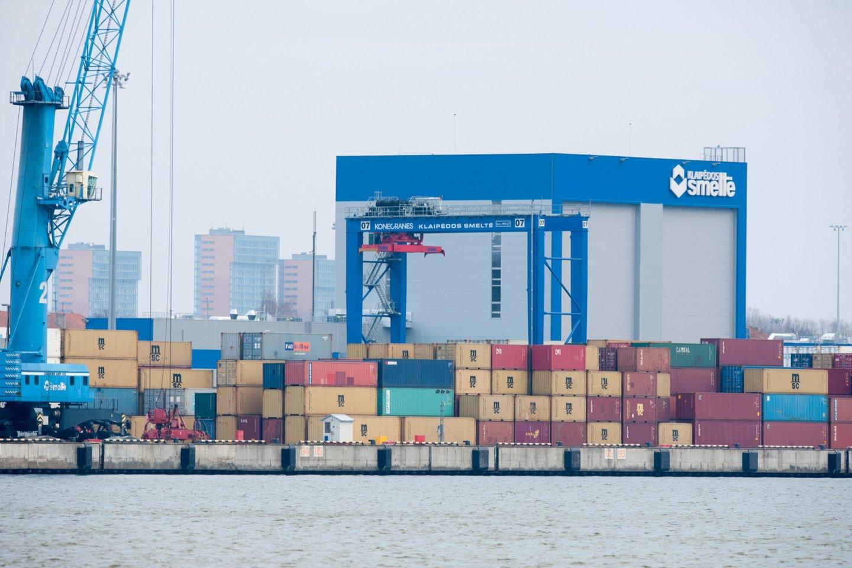 Uosto direkcija investuodama milijonus eurų į uosto infrastruktūrą nori gauti didesnę grąžą. Ketinama pajamas, gaunamas iš žemės nuomos, padidinti 3 mln. eurų, arba 37 proc.<br>V.Ščiavinsko nuotr.