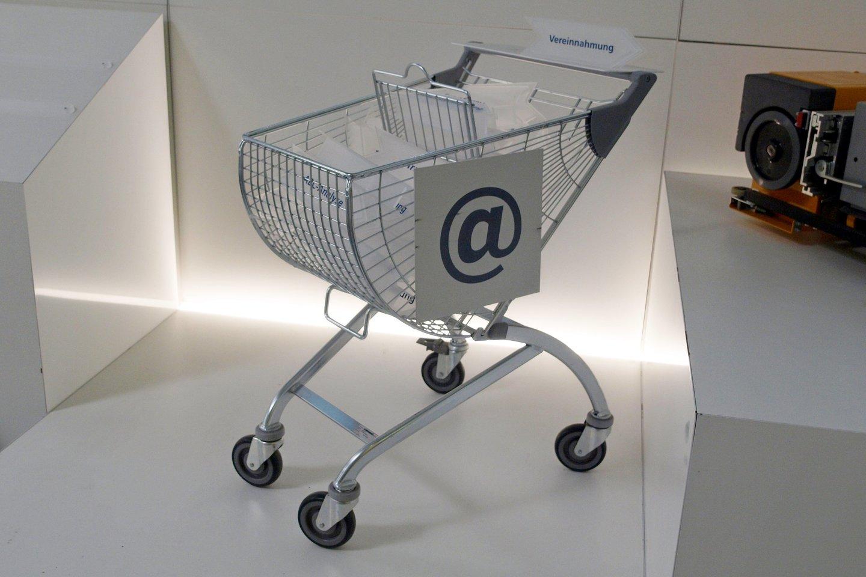 """Pasak I.Kretovo, pardavimas per """"eBay"""" iš Lietuvos įvyksta maždaug kas 9 sekundes.<br>A.Srėbalienės nuotr."""