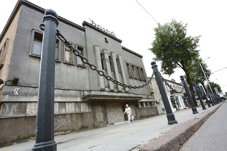 """Buvusio Kauno kino teatro """"Daina"""" pirkėjas žada jį atverti po dvejų metų.<br>A.Barzdžiaus nuotr. iš LR archyvo"""