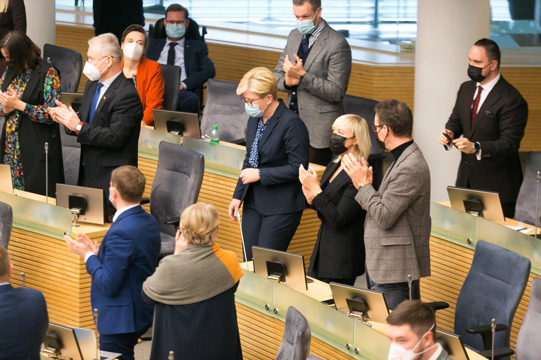 Prezidiumo sprendimas įpareigoja TS-LKD partijos narius Seime nepalaikyti referendumu iniciatyvu del partnerystes instituto.<br>T.Bauro nuotr.
