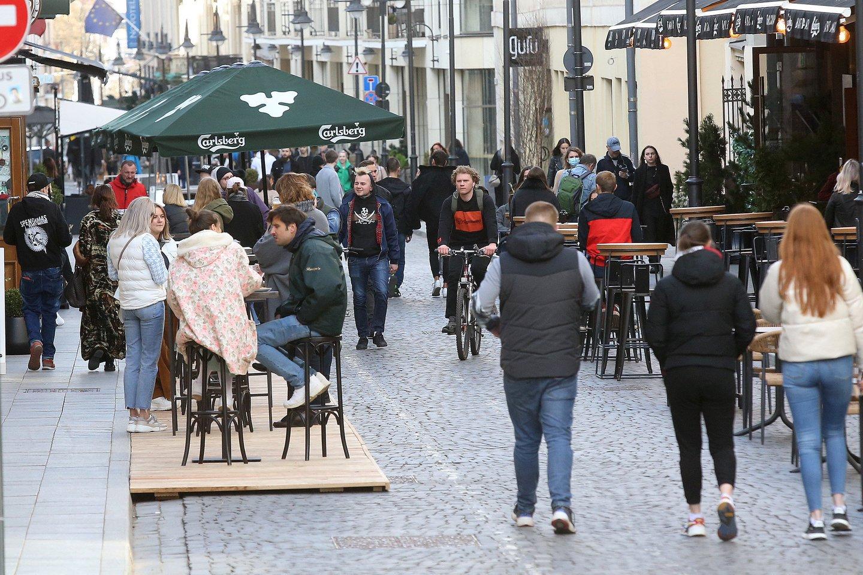 Turintys Galimybių pasą galės patekti į restoranų, kavinių, lošimo namų, barų ir kitų laisvalaikio vietų vidų.<br>R.Danisevičiaus nuotr.