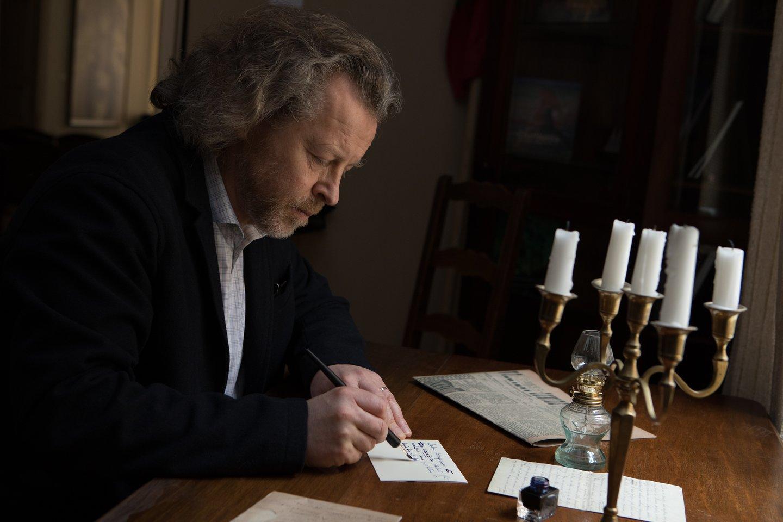 """""""Čiurlionio Lietuva"""" programos koncepcijos autorius ir pagrindinis įgyvendintojas – Čiurlionio provaikaitis, pianistas Rokas Zubovas.<br>K.Pleitos nuotr."""