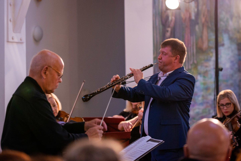 """R.Beinaris – ansamblio """"Musica humana"""" meno vadovas ir dirigentas, obojininkas, Muzikos ir teatro akademijos profesorius.<br>N.Žilinskaitės nuotr."""