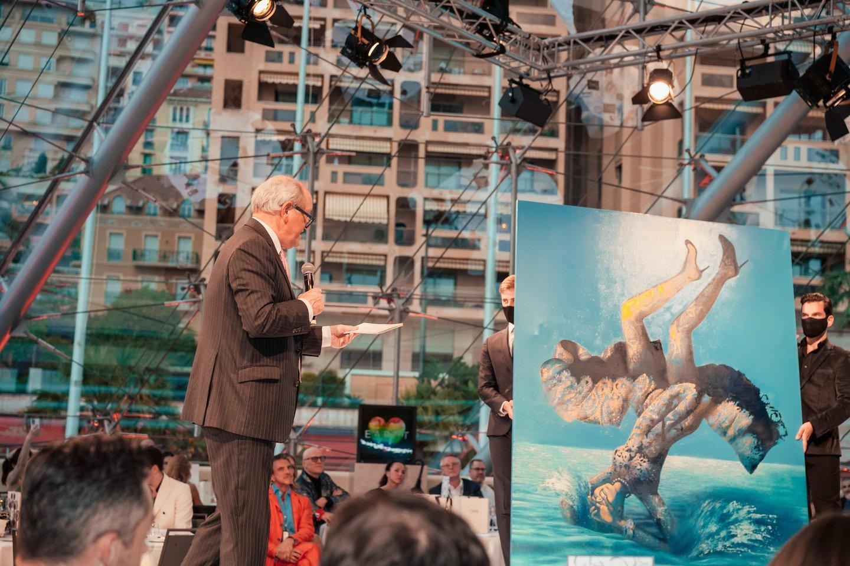 """Dailininko Arūno Rutkaus paveikslas """"Krentanti žvaigždė. Mėlynas vanduo"""" aukcione parduotas už 35 tūkst. eurų.<br>""""Amber Lounge"""" nuotr."""