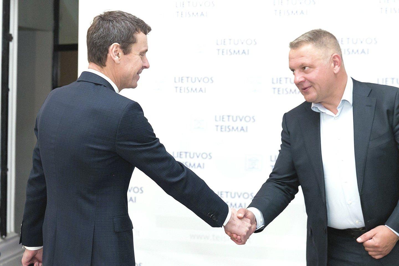Vadinamoji politinės korupcijos byla pradėta prieš 5 metus, bet R.Kurlianskis (kairėje) ir E.Masiulis dar neišgirdo nuosprendžio.
