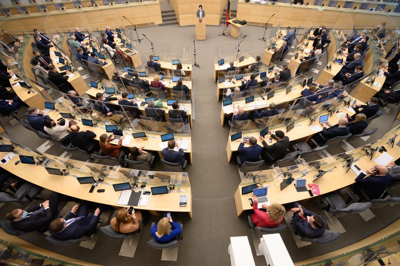 Seimo ketvirtadienio darbotvarkėje numatytas balsavimas dėl Loterijų įstatymo pataisų pateikimo.<br>V.Skaraičio nuotr.