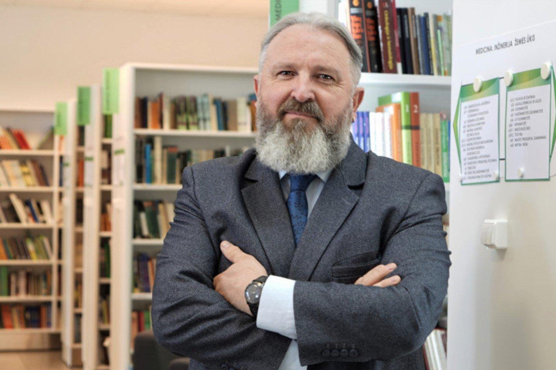 Pasak konkursą laimėjusio prof. Broniaus Maskuliūno, biblioteka yra gyvas organizmas.<br>Asmeninio archyvo nuotr.