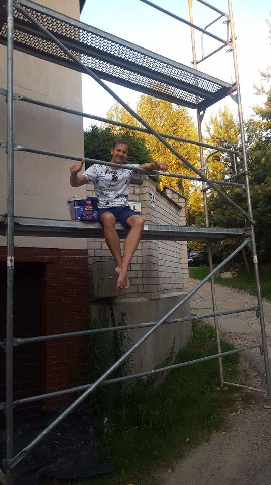 N.Juška yra išdažęs ir savo baleto mokyklos, ir namų sienas.<br>Nuotr. iš asmeninio archyvo