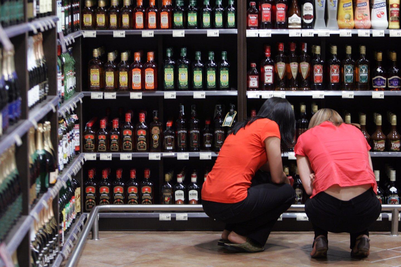 Dėl tiesiogiai su alkoholio vartojimu susijusių ligų pernai mirė 598 žmonės – 42-iem daugiau nei 2019 metais.<br>V.Balkūno nuotr.