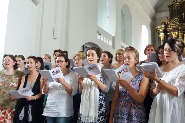 Choralo giedojimo mokymai Marijampolės bazilikoje.<br>Nuotr. is organizatorių archyvo.