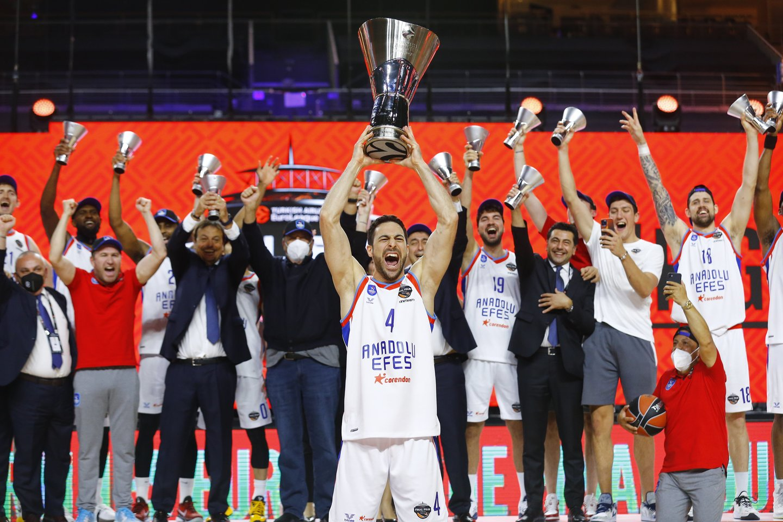 "Eurolygos čempionu pirmąkart tapo ""Anadolu Efes"" klubas.<br>Reuters/Scanpix nuotr."