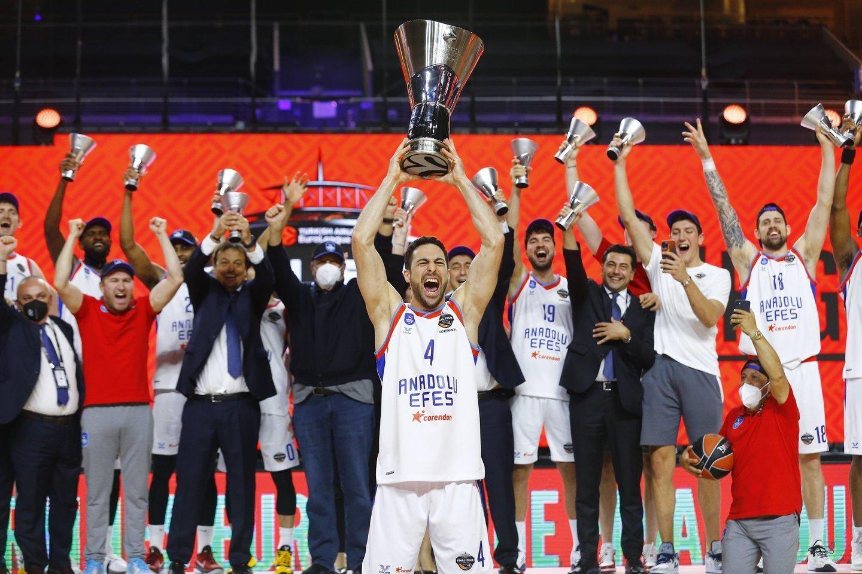 """Anadolu Efes"" laimėjo Eurolygą.<br>Reuters/Scanpix.com nuotr."