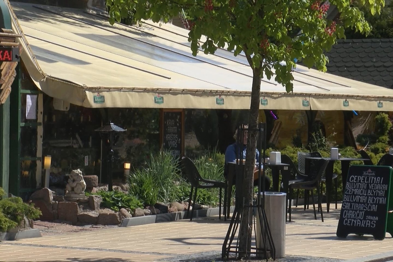 Šią vasarą Palanga poilsiautojus pasitinka išaugusiomis kainomis viešbučiuose, kavinėse bei restoranuose.<br>Stop kadras