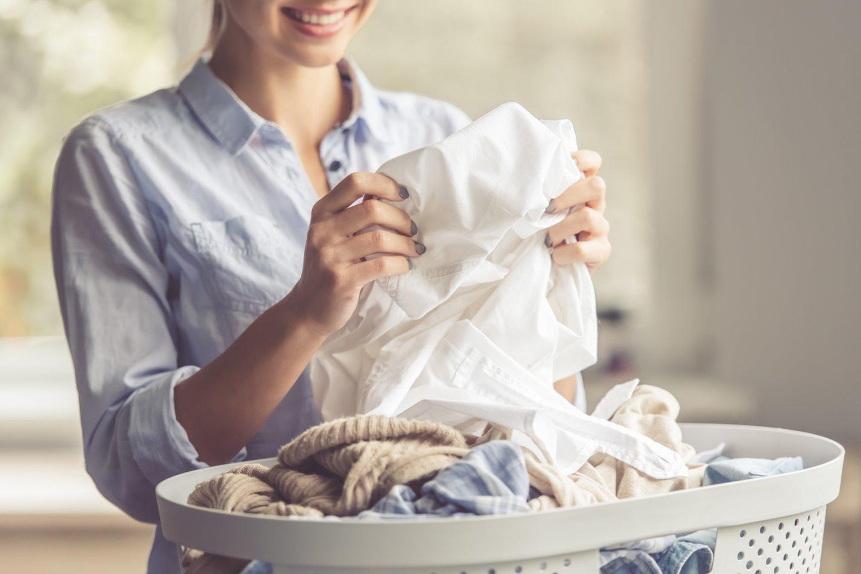 Ekologiškas skalbimas susideda iš keleto paprastų žingsnių: tinkami įpročiai, tinkama buitinė technika ir tinkamas skalbiklis.<br>123rf.com asociatyvi nuotr.