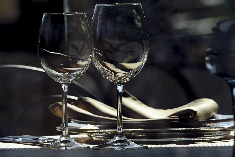 Įsišaknijęs įsitikinimas, kad taurelė vyno niekam nepakenks - klaidingas.<br>V.Ščiavinsko nuotr.