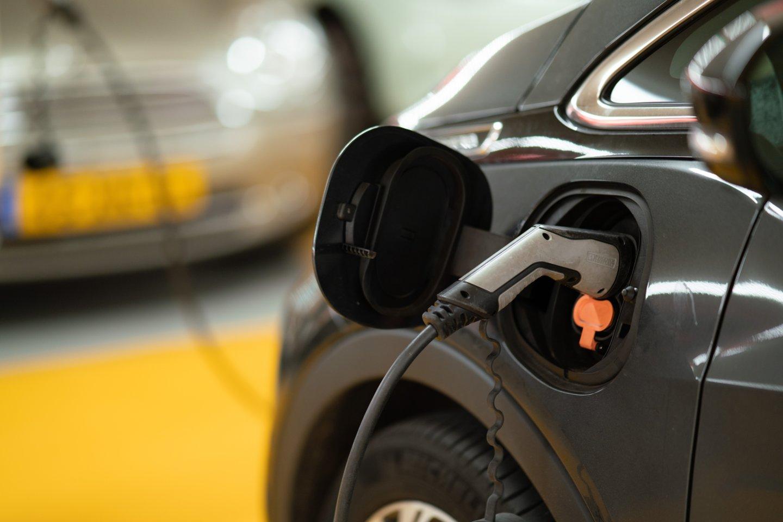 """Kinijos automobilių kompanija """"Changan"""" ir technologijų milžinas """"Huawei"""" sutarė kurti naują elektromobilių markę.<br>www.unsplash.com nuotr."""