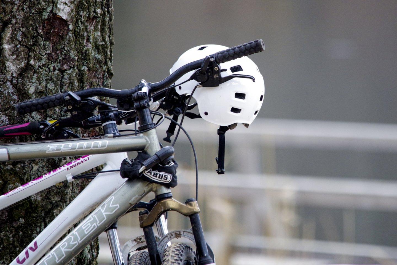 Naujausi tyrimai rodo, kad du iš trijų Lietuvos gyventojų važinėja dviračiais arba paspirtukais.<br>V.Ščiavinsko nuotr.