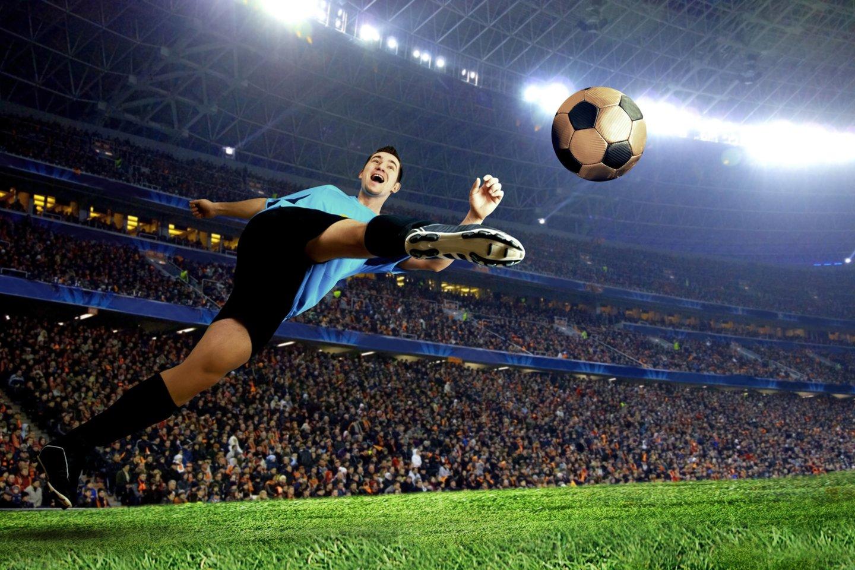 Futbolas yra karalius. Daugiau nei pusė pasaulio populiacijos žiūri pasaulio futbolo čempionatą, o apie 250 milijonų žmonių teigia patys aktyviai žaidžiantys futbolą<br>123rf nuotr.